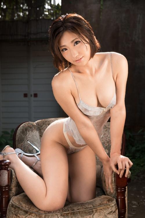 【三次】巨乳可愛い夏希みなみちゃんがイラマチオやアナル舐めでメスとして調教されて・・大量潮吹きしながら汗や汁まみれでド変態セックスエロ画像・2枚目