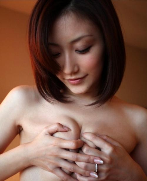 【三次】手で乳首を隠してる女の子のエロ画像part2・3枚目