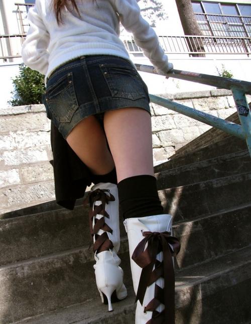 【三次】デニムやジーンズを穿いている女の子のエロ画像part2・4枚目