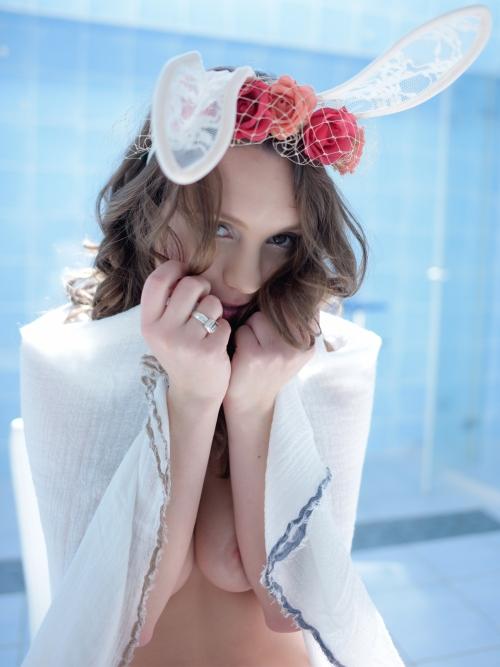 【三次】日本のマンガが好きすぎて来日したスウェーデンの素人モデル、オリヴィアちゃんの巨乳エロ画像(25枚)・1枚目