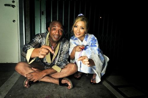 【三次】元日本ボクシングチャンピオンの雄二ゴメスが7人の女たちに28cmの勃起チンポをブチ込んで完全KO「女はチンポに勝てない」ことを証明したエロ画像・17枚目