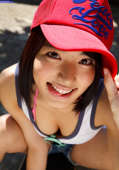 【三次】女の子のフニフニしたくなる谷間オッパイ画像part2・2枚目