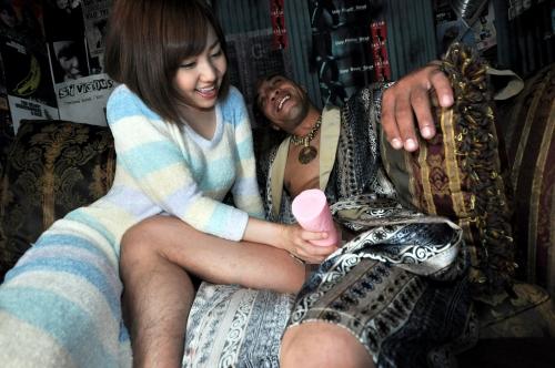 【三次】元日本ボクシングチャンピオンの雄二ゴメスが7人の女たちに28cmの勃起チンポをブチ込んで完全KO「女はチンポに勝てない」ことを証明したエロ画像・15枚目