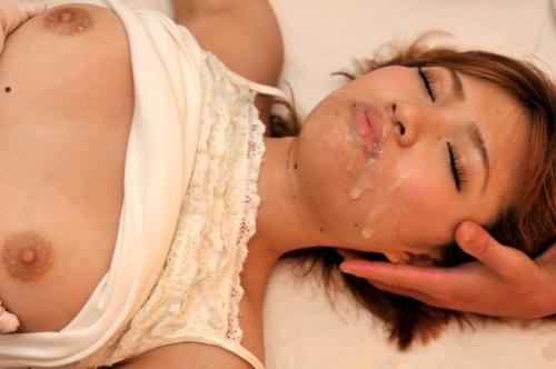 【三次】女の子に精液ぶっかけているエロ画像・4枚目