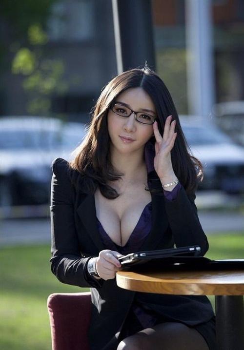 【三次】眼鏡を掛けた女の子のエロ画像part3・3枚目