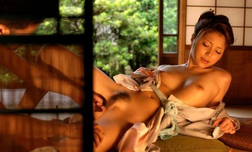 【三次】浴衣や着物を身にまとった女の子のエロ画像・9枚目
