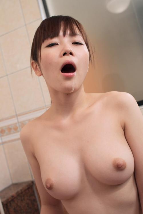 【三次】口の中で射精されちゃっている女の子のエロ画像part2・6枚目
