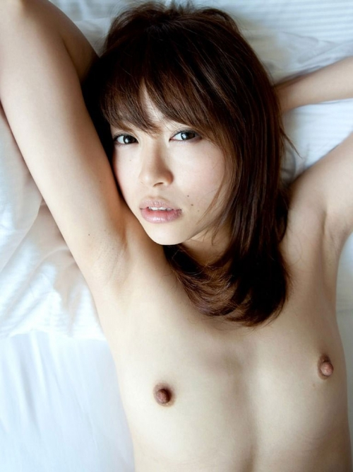 【三次】裸で寝転がっている女の子のエロ画像・5枚目