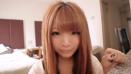 【三次】きゃ〇ーぱみゅぱみゅ似の19歳の女の子をホテルに連れ込んでハメ撮りエロ画像・2枚目