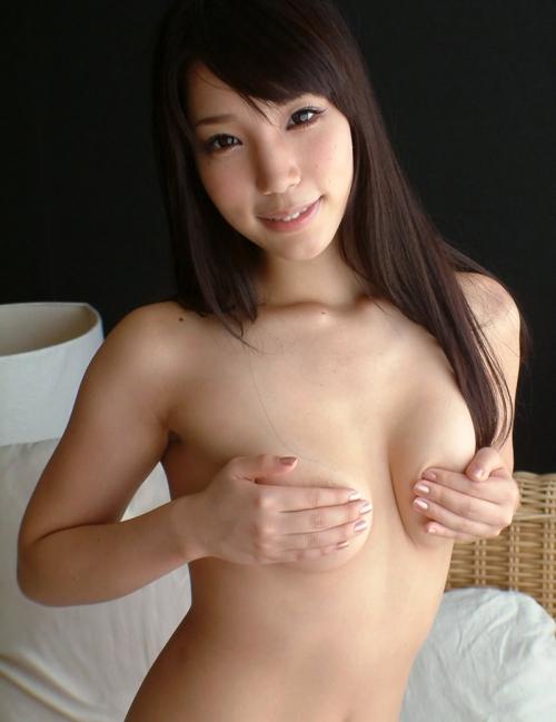 【三次】手で乳首を隠してる女の子のエロ画像part2・1枚目