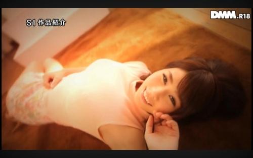 【GWは半額セールス♪】 Kカップの巨乳を持つ宇多田みかちゃんがデビュー作にも関わらず母乳噴出しながら何度も絶叫イキしているエロ画像・11枚目