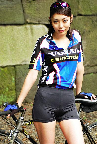 【三次】レーサーパンツを履いた女性の画像【レーパン】part1・3枚目