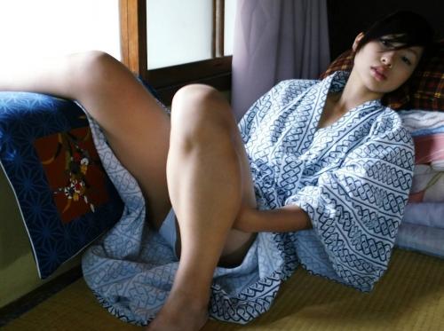 【三次】浴衣や着物を身にまとった女の子のエロ画像・12枚目