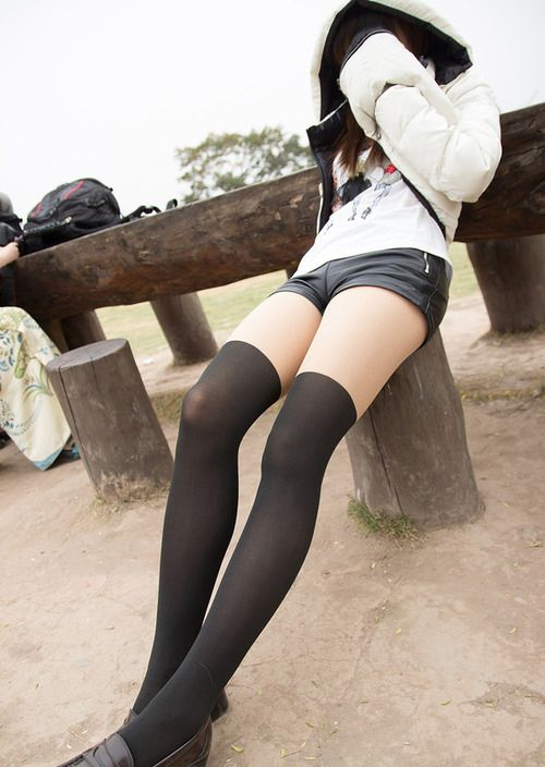【三次】女の子のハアハアしてしまう太もも画像・3枚目