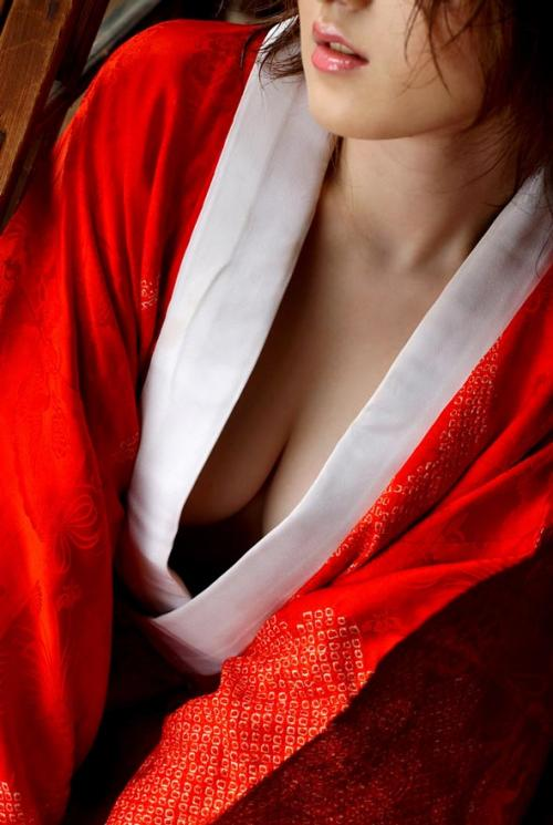 【三次】まさに大和撫子!浴衣や着物姿の女の子のエロ画像・10枚目