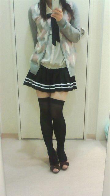 【三次】ニーソを履いた女の子のむらむらしてくる太もも画像part2・6枚目