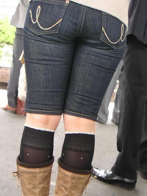 【三次】デニムやジーンズを穿いている女の子のエロ画像・18枚目