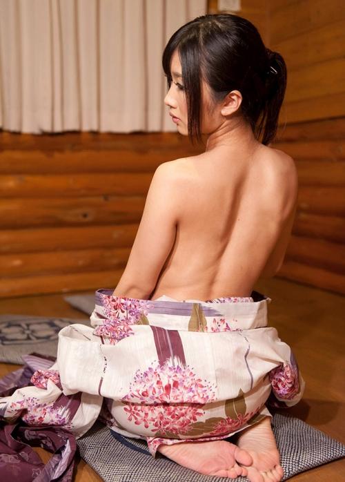 【三次】浴衣や着物姿の女性のエロ画像part2・14枚目