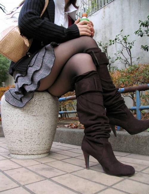 【三次】ロングブーツを履いている女子のエロ画像・5枚目