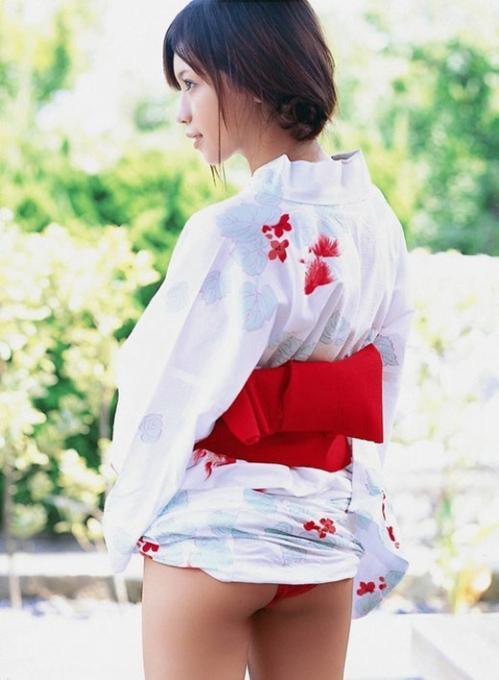 【三次】まさに大和撫子!浴衣や着物姿の女の子のエロ画像・14枚目