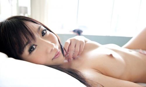 【三次】裸で寝転がっている女の子のエロ画像・3枚目