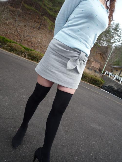 【三次】ニーソを履いた女の子のむらむらしてくる太もも画像part2・11枚目