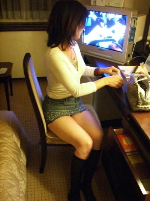 【三次】デニムやジーンズを穿いている女の子のエロ画像・22枚目