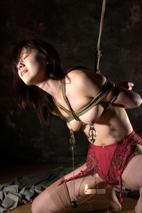 【三次】性奴隷として調教されている女の子のエロ画像・17枚目