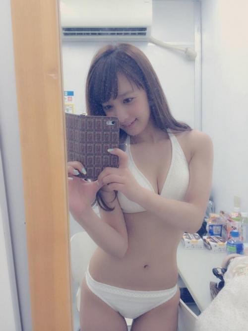 【三次】天使フェイスとBカップの胸がたまらない池田ショコラちゃんのセクシー画像・3枚目