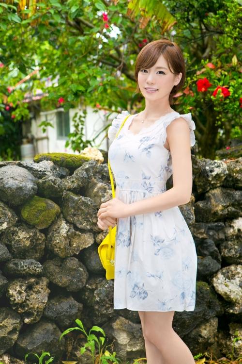 【三次】夏だ!セックスだ!鈴村あいりちゃんが南国沖縄で弾けちゃってレズあり大乱交あり犯されるようにハメられて発情しまくりもアリなエロ画像・1枚目