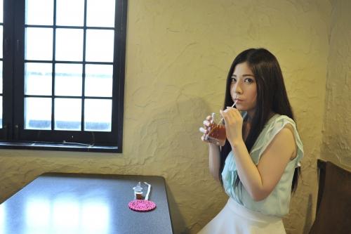【三次】超有名AV女優「上原亜衣」のお姉ちゃん「上原麻衣」がAVデビュー!お姉ちゃんを初撮りしちゃったエロ画像・3枚目