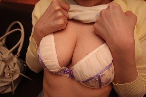 【三次】新大久保で韓国人の女の子ヨンヒちゃん(23)をナンパしてイラマ・目隠し・玩具責めなどスケベなM女になるまで調教SEXしたハメ撮りエロ画像・1枚目