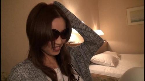 【三次】昭和の生き証人「浅草がじろう」が博多で女をナンパしてAV交渉!博多弁が可愛いFカップ巨乳の女の子を捕まえてハメ撮りしまくったエロ画像・13枚目