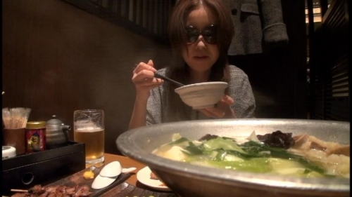 【三次】昭和の生き証人「浅草がじろう」が博多で女をナンパしてAV交渉!博多弁が可愛いFカップ巨乳の女の子を捕まえてハメ撮りしまくったエロ画像・32枚目