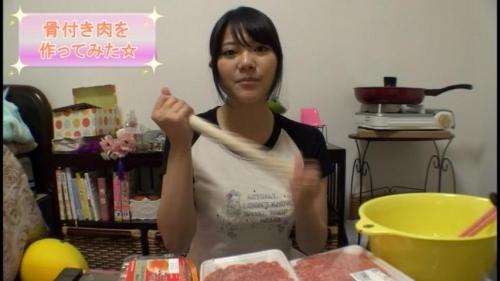 【三次】ついに出た!有名女性YouTuberがAVデビュー!「マイちゃんねる」のマイちゃんを脱がせることに成功したエロ画像・13枚目