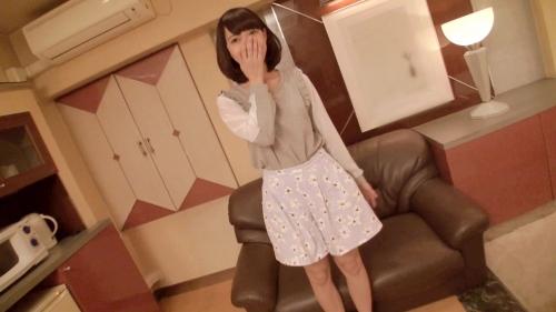 【三次】普段はクレープ屋さんで働いている華奢な女の子(18)を脱がしたら巨乳デカ乳輪でパイパン!たっぷりハメ撮りしたエロ画像・2枚目