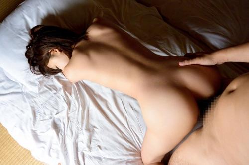 【三次】初々しい仕草がたまらない!身長149cmの華奢で小柄ボディの姫野心愛ちゃんが人前での初めてのセックスなのに悶絶イキしちゃうエロ画像・18枚目
