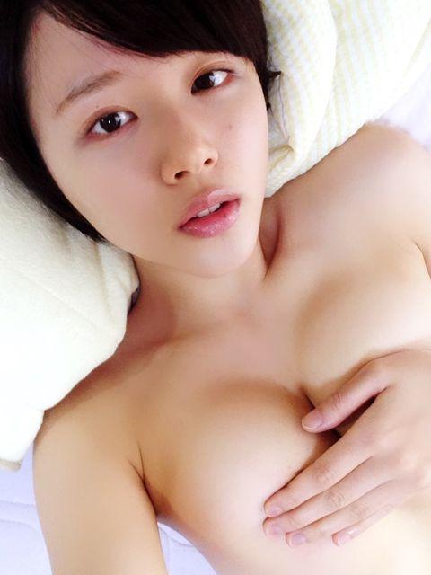 【三次】手で乳首を隠してる女の子のエロ画像・25枚目