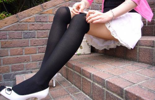 【三次】ニーソを履いた女の子の太もも画像・14枚目