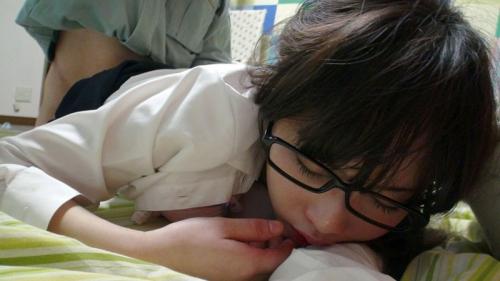 【三次】メガネを掛けた女の子のエロ画像part3・26枚目