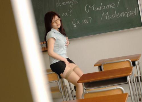 【三次】何でも教えてくれそうな女教師のエロ画像part2・19枚目