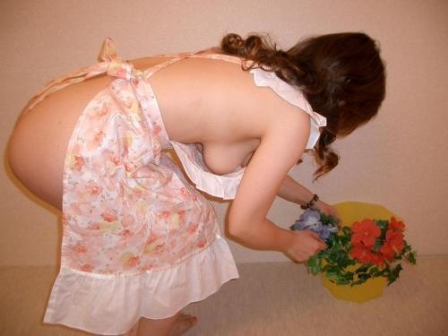 【三次】裸エプロンで男を刺激する女の子のエロ画像part2・18枚目