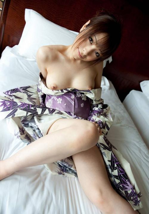 【三次】まさに大和撫子!浴衣や着物姿の女の子のエロ画像・25枚目