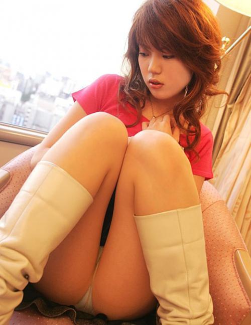 【三次】ロングブーツを履いている女子のエロ画像・13枚目