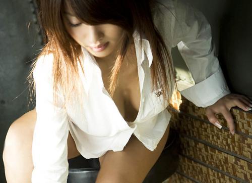 【三次】白ブラウスや白ワイシャツ姿の女の子のエロ画像・22枚目
