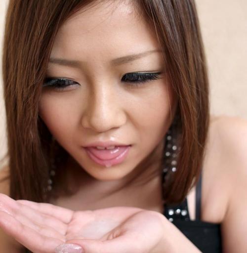 【三次】女の子の口の中に精子プレゼントしているエロ画像【ホワイトデー】・14枚目