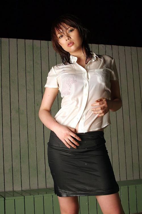 【三次】白ブラウスや白ワイシャツ姿の女の子のエロ画像・25枚目