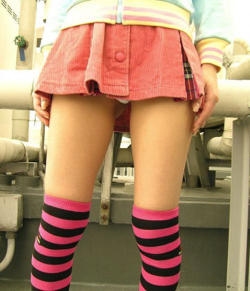 【三次】ニーソを履いた女の子の太もも画像・21枚目