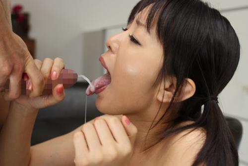 【三次】女の子の口の中に精子プレゼントしているエロ画像【ホワイトデー】・22枚目