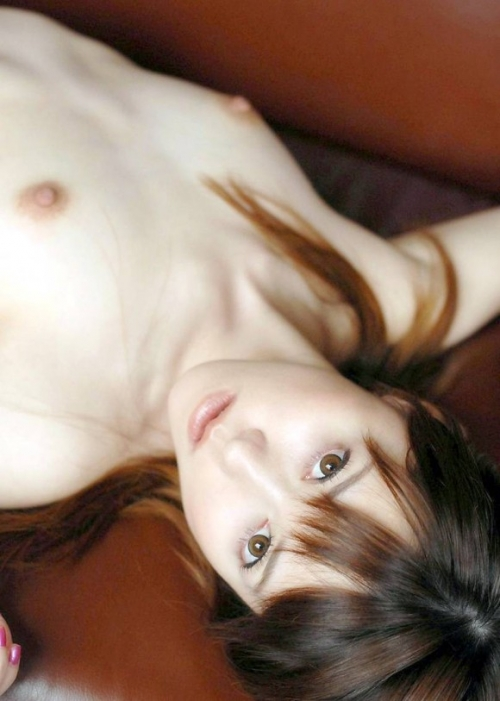 【三次】裸で寝転がっている女の子のエロ画像・27枚目